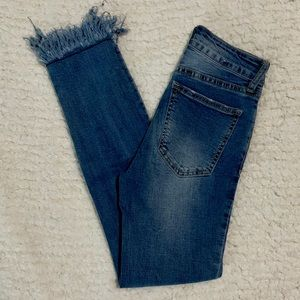 Cotton On distressed jean
